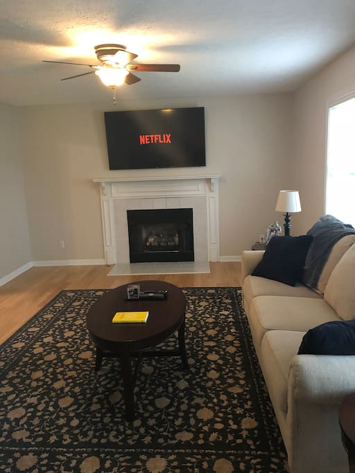Living room with Smart HDTV