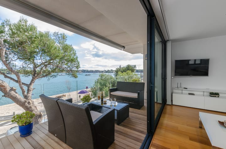 PONENT - Modern apartment with sea views in Portocolom Free WiFi