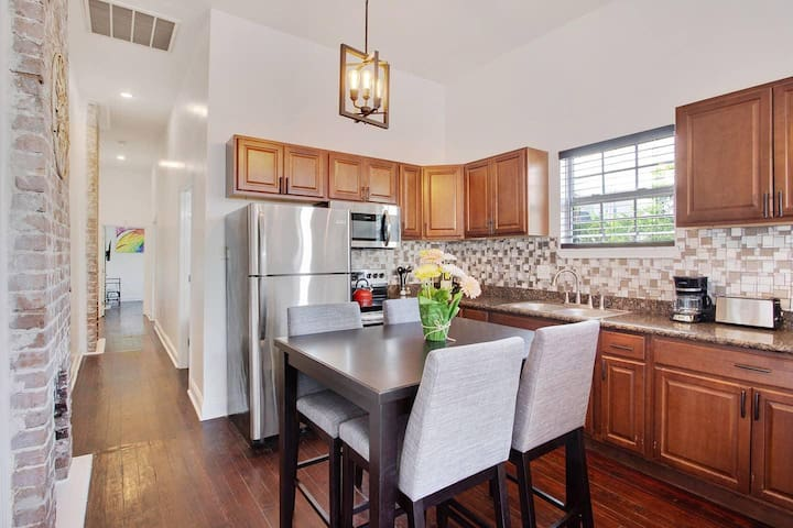 Gorgeous Kitchen with Coffee Pot, Microwave, Stove, Oven & Refrigerator