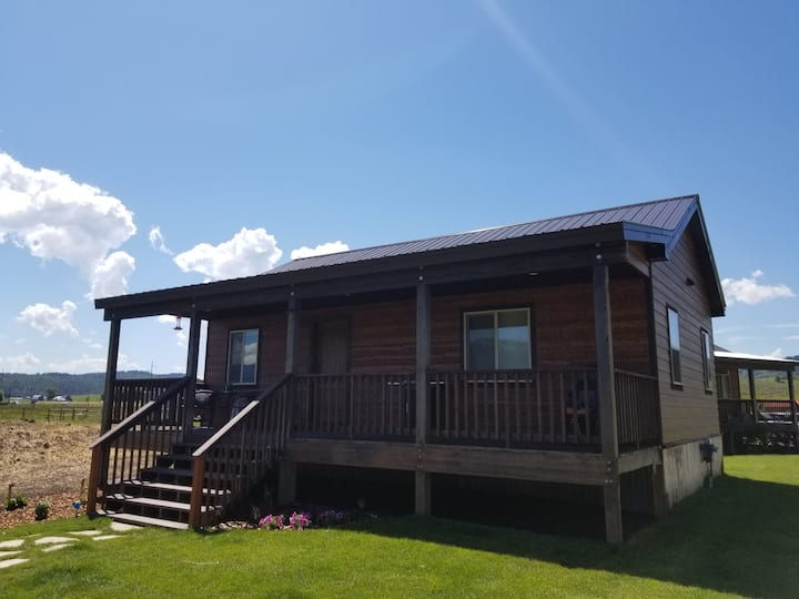 Bar Lazy E Ranch King Suite(River Front cabins)