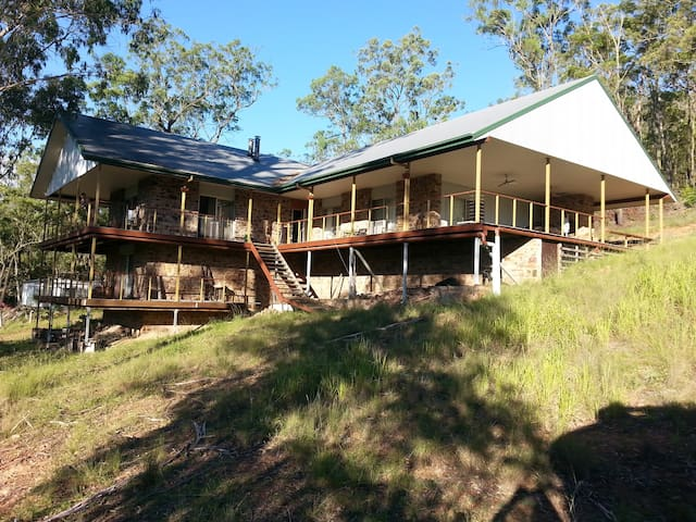 Beautiful Bush Rock House-with Breakfast