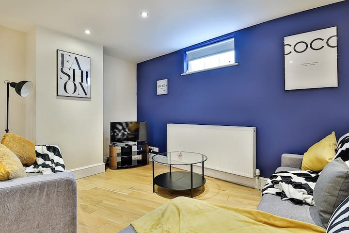 Stunning Apartment in the heart of Bath - Sleeps 8