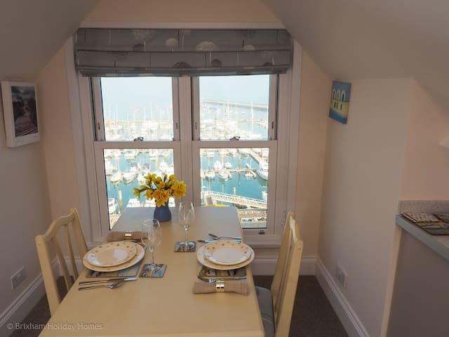 Tom's Nest - a romantic luxury bolt hole with sea views - Brixham - Wohnung