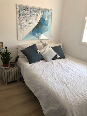 Private Bedroom in Prosperidad, Madrid