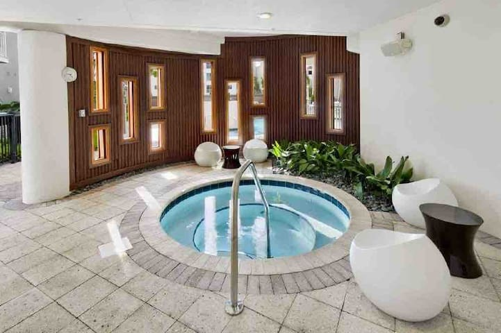 SUPER BOWL LV 2/2 Luxury Downtown Tampa Apt