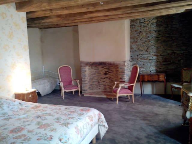 Appoline : Chambre d'hotes + espace Spa et Sauna - Saint-Thélo - ที่พักพร้อมอาหารเช้า