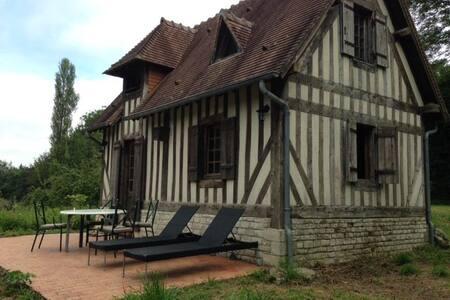Maison normande entre Honfleur et Deauville. - Barneville-la-Bertran