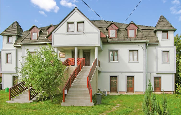 Holiday apartment with 3 bedrooms on 125m² in Kehidakustány