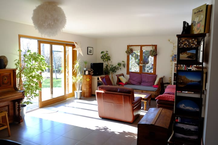 Belle maison 150m2 proche station de ski (Alpes) - Vaulnaveys-le-Haut - House