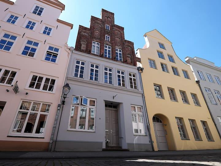 Apartment in altehrwürdigen Altstadthaus (1.OG)