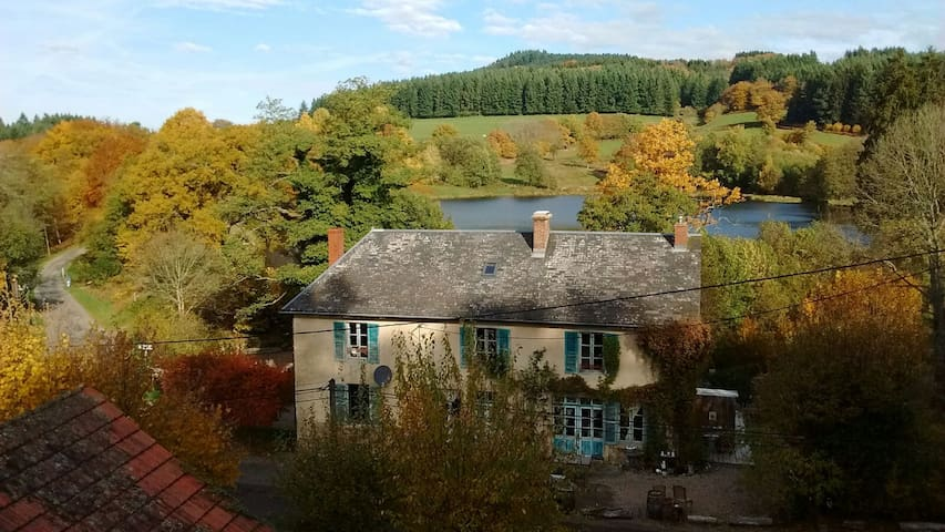 A l'etang d'Yonne  - La Chambre Familiale - Morvan - Arleuf - Bed & Breakfast