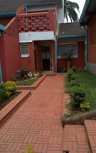 Cosy home in the heart of Nairobi - Ház