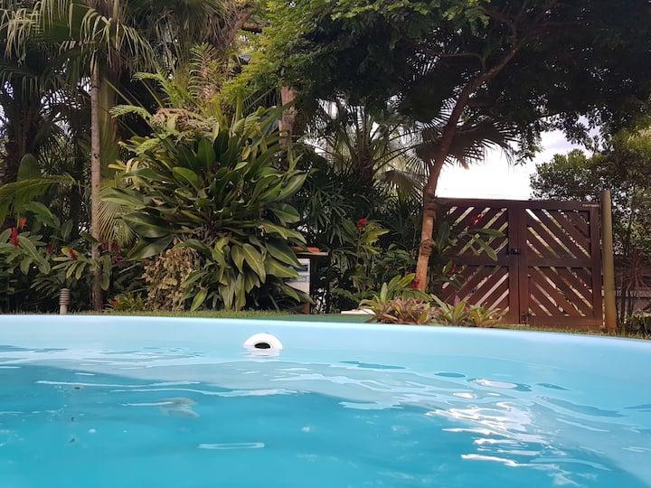 Suíte Golfinho/ Itamambuca 50 mts da praia