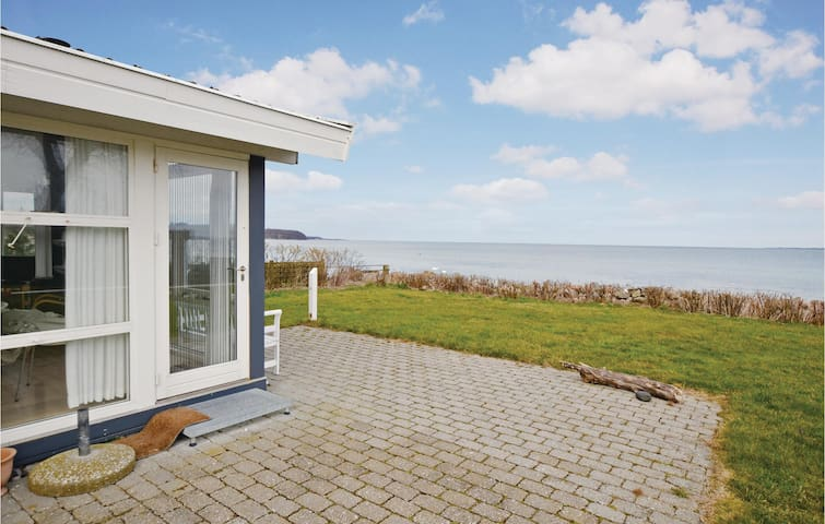 Holiday cottage with 2 bedrooms on 56 m² in Vejstrup