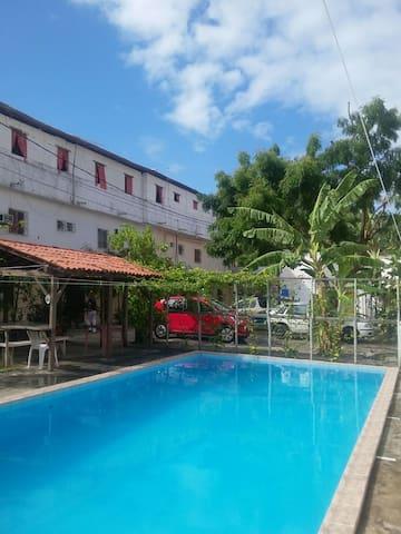 Quarto, Kitinete e Apartamento - Lauro de Freitas - Condo