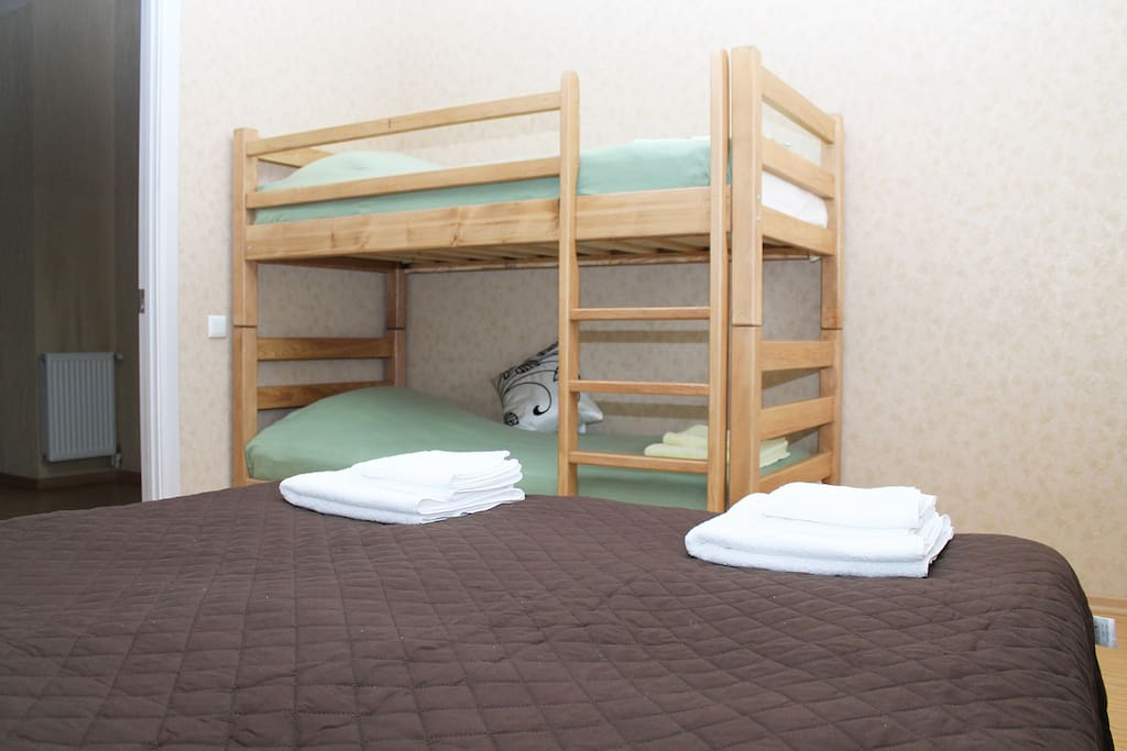 Wooden bunk-bed is suitable for kids and adults (size: 90*190)