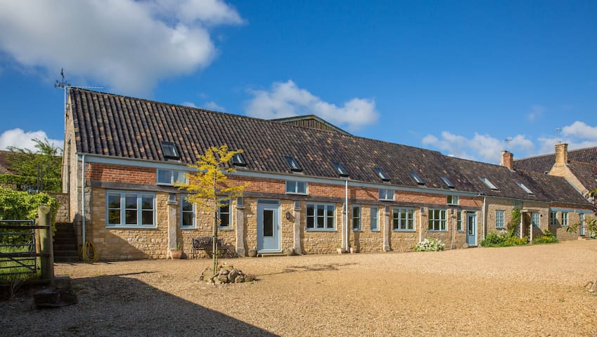 Piper House - rural comfort & space - Stamford