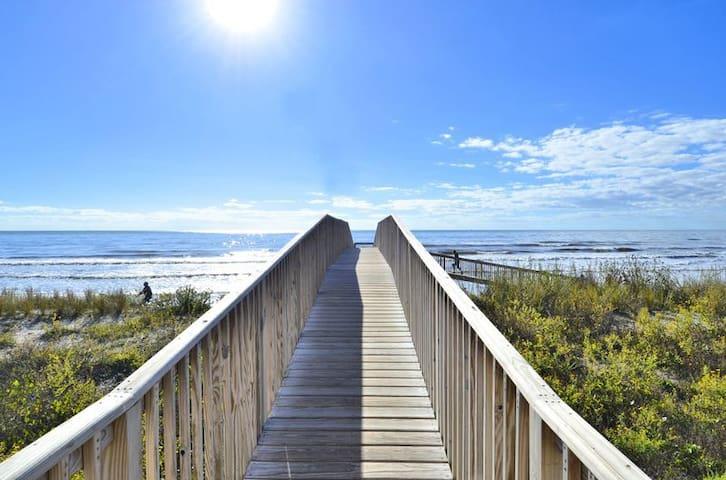 Seascape 2321 - Ocean View, Beachfront Condo