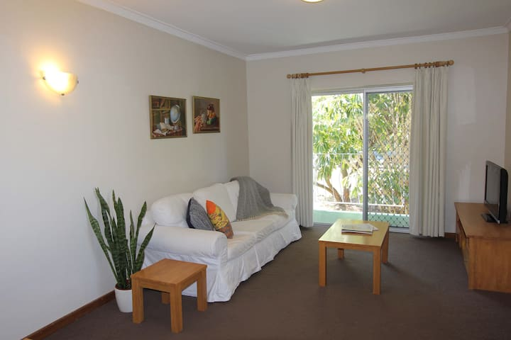Seabreeze Apartment - Between Ocean and River - Mosman Park - Apartamento