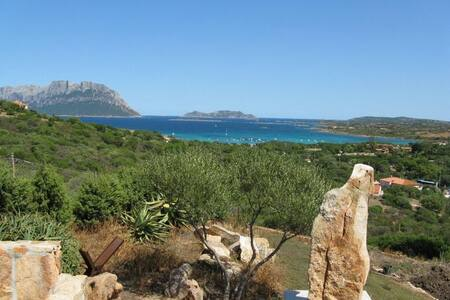 ****  SEA  VIEW  HOUSE IMMERSED IN NATURE *** - Porto Istana - Villa