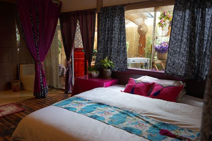 大庄玫瑰园,荷花姐姐家,《撒梅族》,后裔,,民族文化民俗《体验农庄》,--养心阁套间内有茶室,花园 - Kunming - Casa de campo