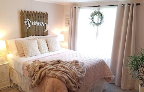 A Cozy Guest Suite Just South of  Nashville