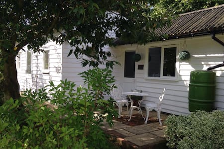 Private Self-Contained Annexe - Cranbrook