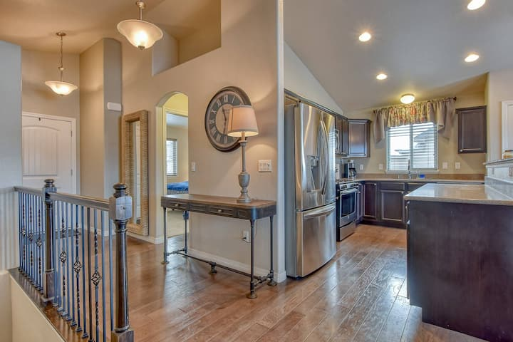 Amazing modern home in great location with views of the Front Range mountains and Pikes Peak!