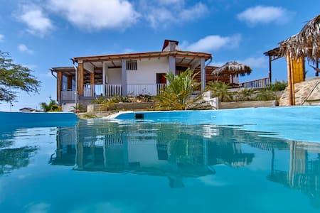 Villa EKA.