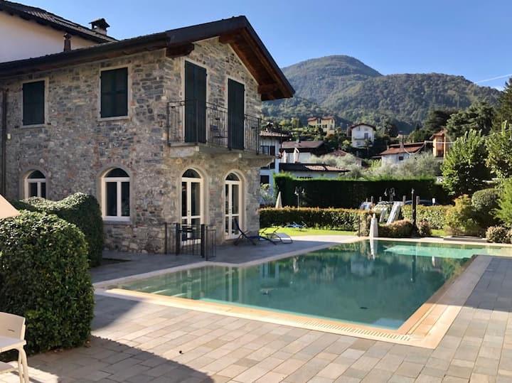 Casa Bellagio Beach: Pool, 100m Lake & near City
