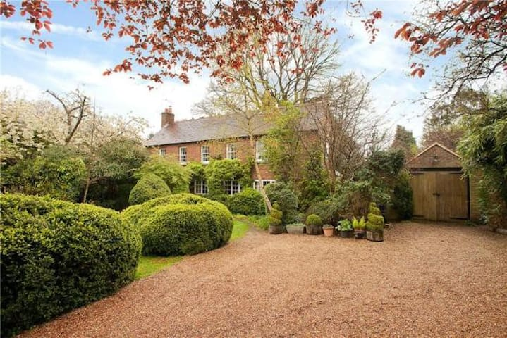 Family home, Guildford near London - Worplesdon - Rumah