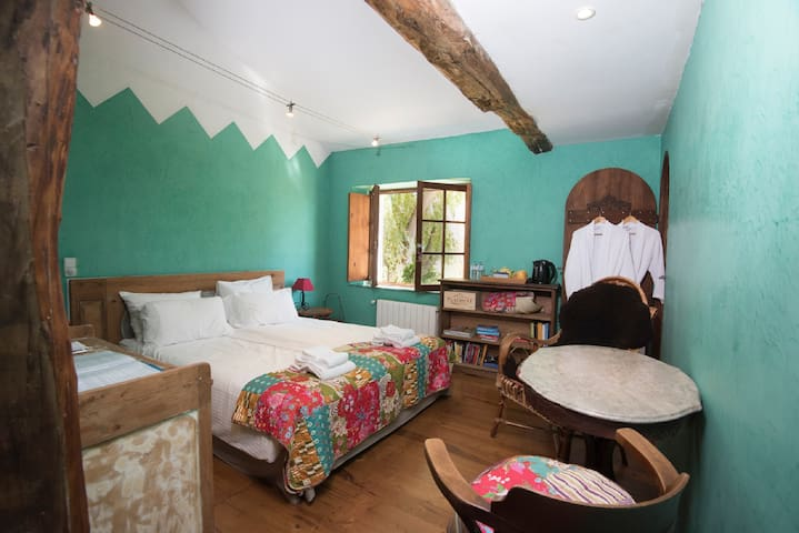 Chambre Verte at Domaine à Marmande-near Marciac