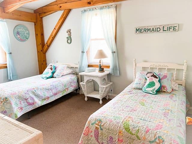 Mermaid bedroom upstairs