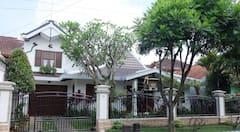1large+bedroom%2C+charm%2C+cozy%2C+Malang