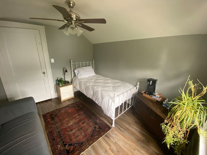 Haymount small upstairs guest room.