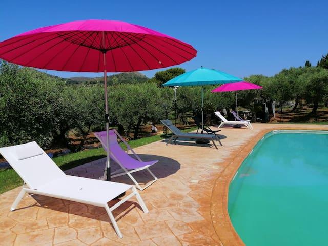 Villa Olivia con piscina ( Casa Luna)