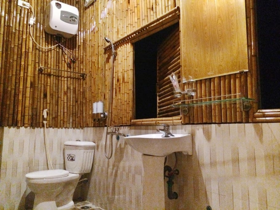 toilet & private shower