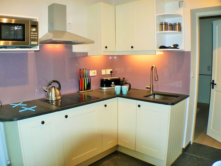 Kitchen with original slate worktops ...