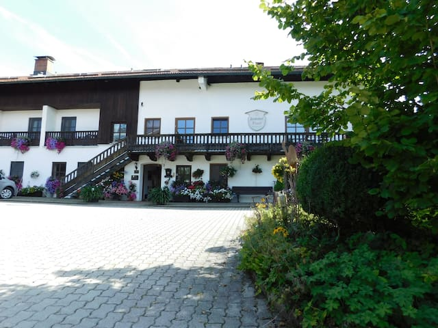 """Cosy Apartment """"Blankhof 1"""" with Wi-Fi & Terrace; Parking & Garage Available"""
