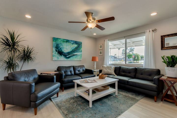 ~THE MERMAID~ Tempe 3BR near Airport/ASU~King Bed!