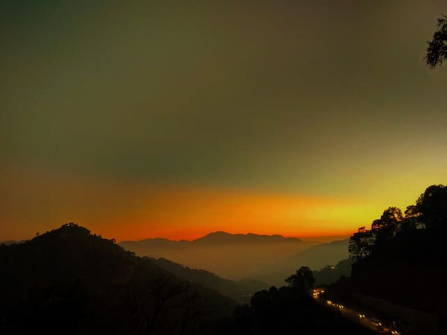 The Kasauli Mansion | 5 Bedroom -By HindustanBnB