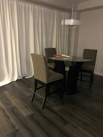 Beautiful Amazing Family House! Perfect For Groups - Kitchener