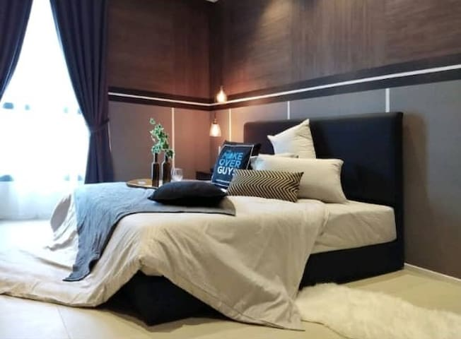 Modern & Cozy One Bedroom(5) @ Arcoris #1-4pax