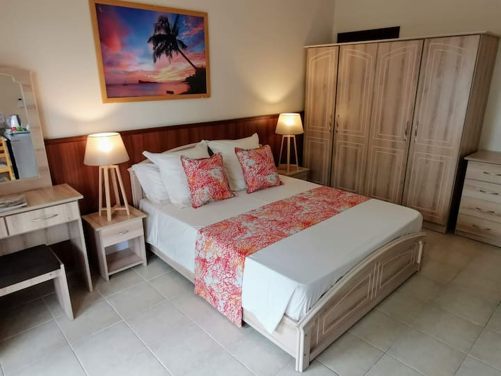 Double Bedroom - Breakfast included. Beachfront..