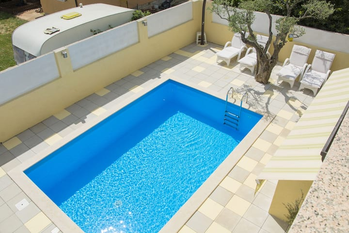 Apartment with common pool, whirlpool and balcony on quiet location, near Porec