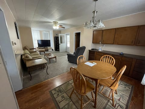 Warm, Inviting 2 bedroom house in Marinette, WI