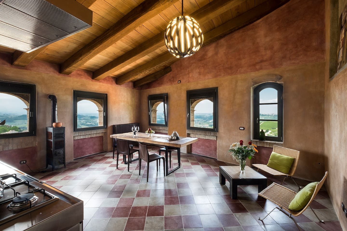 Stunning middle-age house with breath-taking views over vineyards and the alps