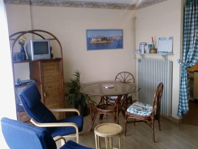 studio privé dans résidence 2 pers