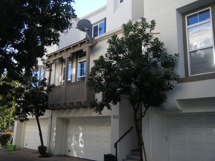 Centrally Located Great Mall Home