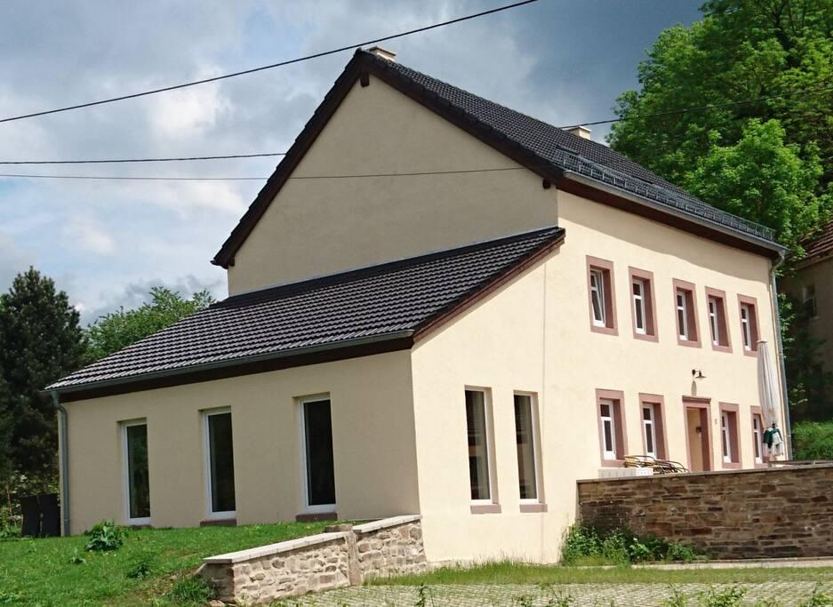 Ferienhaus Eifel Landhaus Enztal mit der Ferienwohnung Schwalbennest